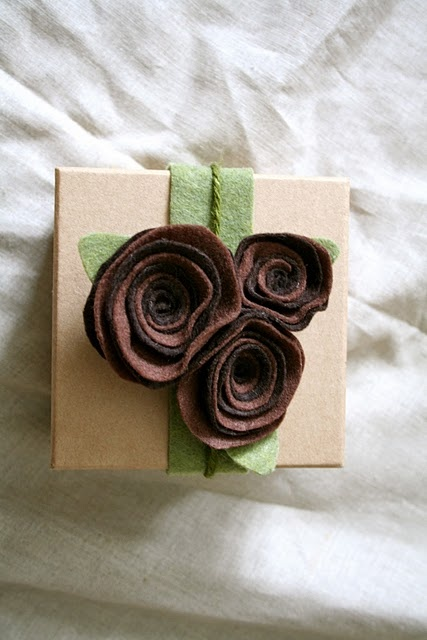 DIY flower gift wrap