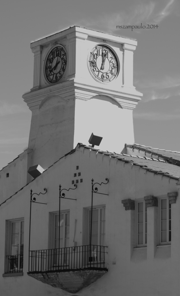 B&W historic Clock Market